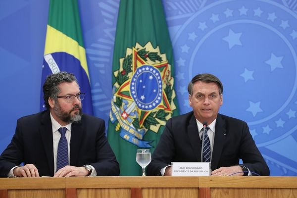 Ernesto Araújo (left) with Jair Bolsonaro