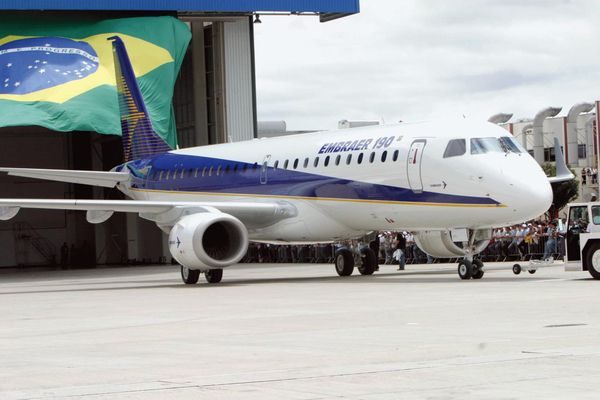 E190 airplane from Embraer