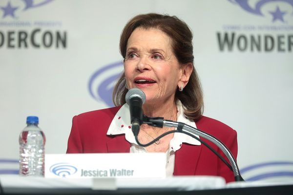 Actress Jessica Walter dies aged 80