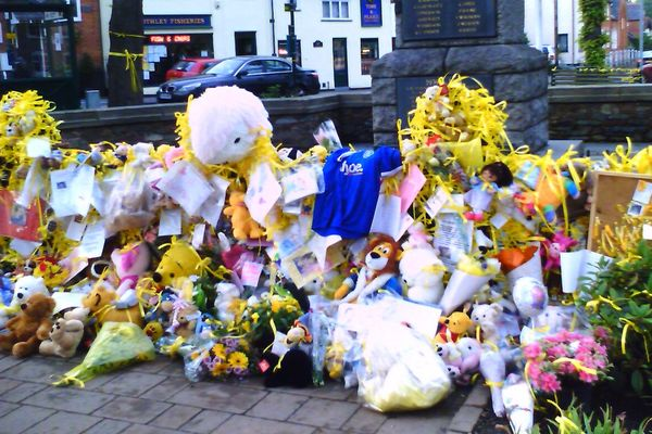 The tributes to Madeleine in the square in her hometown of Rothley on 17 May 2007.