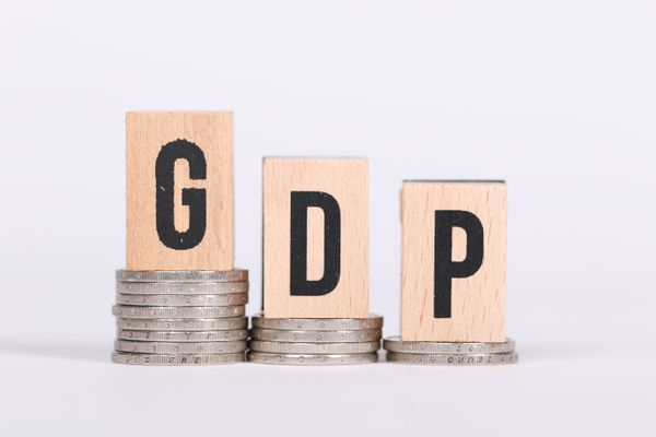 United States GDP has dropped by 32,9%