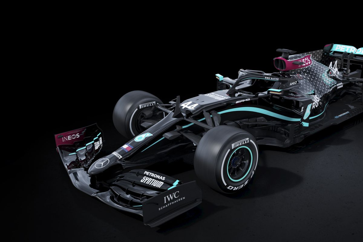 Mercedes F1 team switches livery from silver to black in support of social struggles