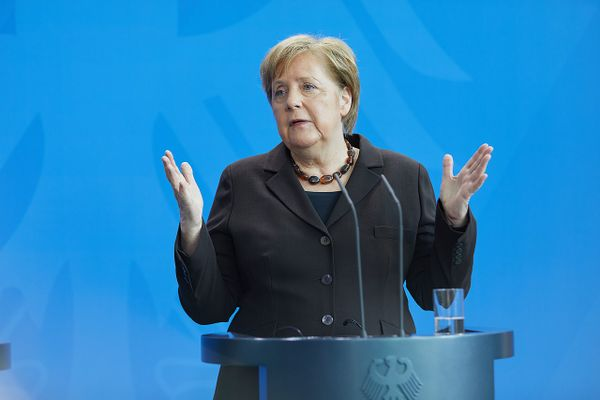 Merkel: Approval of EU Covid-19 recovery fund this week unclear