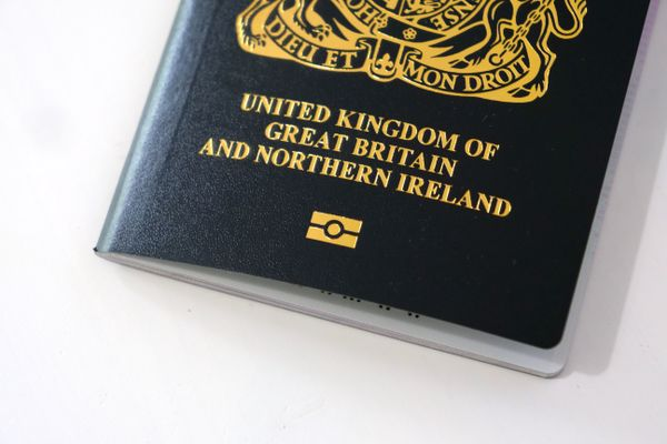 Brexit: France announces rules visa requirements for British citizens from January 2021