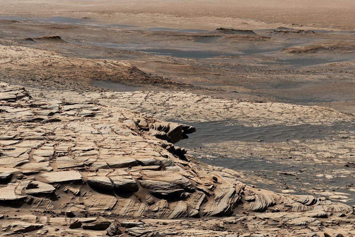 """""""Just keep roving, roving, roving"""" – NASA's Curiosity is taking a mile-long Mars road trip this summer"""