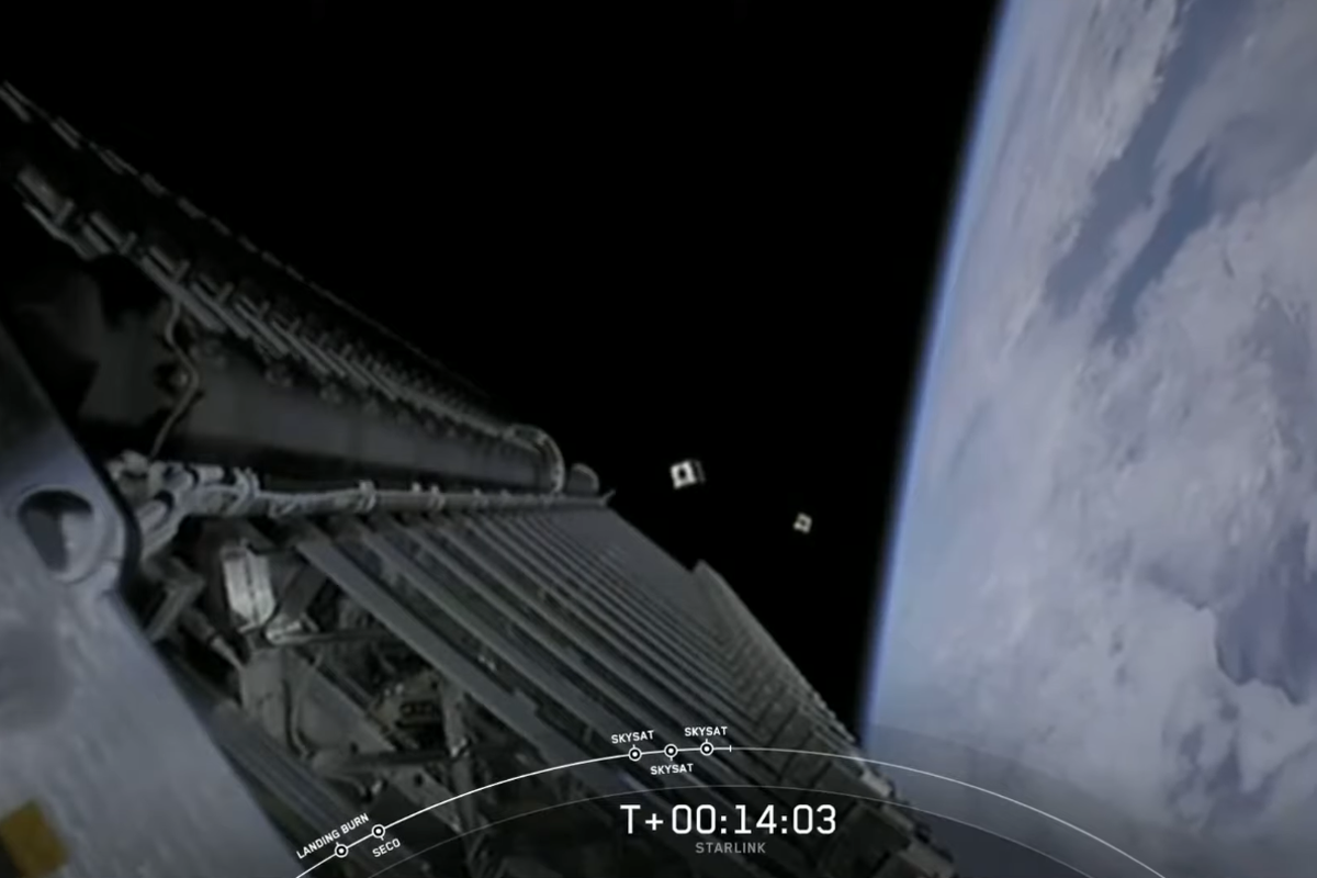 SpaceX launched more 58 Starlink satellites, and three Planet SkySats hitched a ride