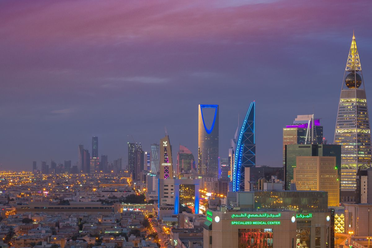 Court in Saudia Arabia rules that a woman living alone is not a crime