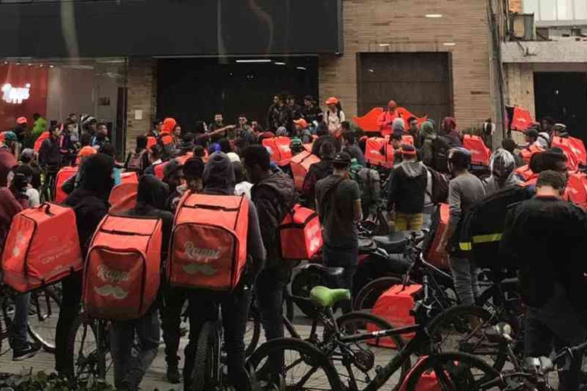 Rappi delivery workers strike in Bogota