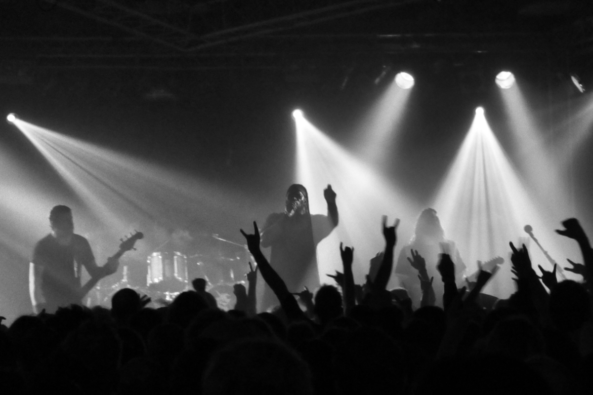Germany puts on crowded concerts to study risks of Covid-19