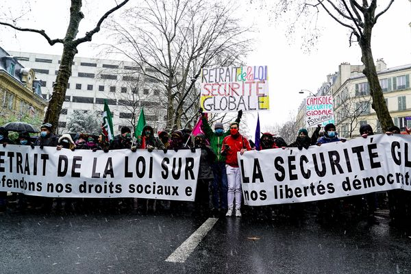 Protests against security bill that would restrict filming of police in many French cities