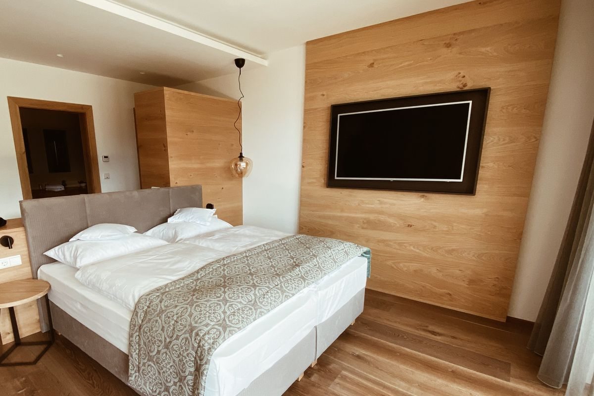 Madrid will reopen hotel for homeless people with Covid-19