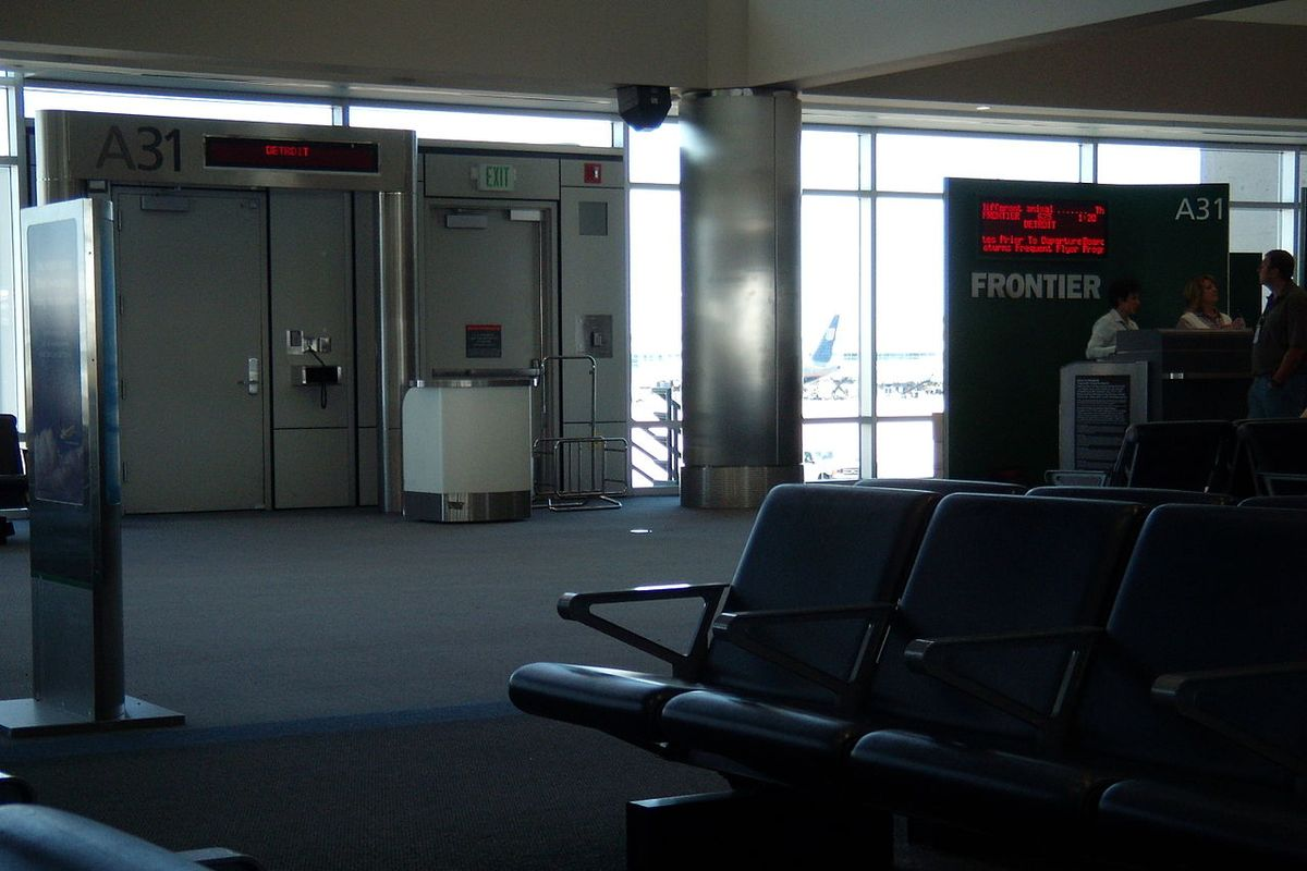 Frontier Airlines to sell 'social distancing upgrade'