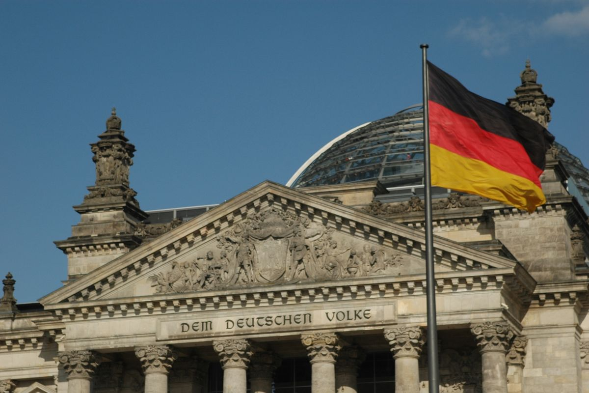 Germany: Man charged with passing Bundestag blueprints to Russia