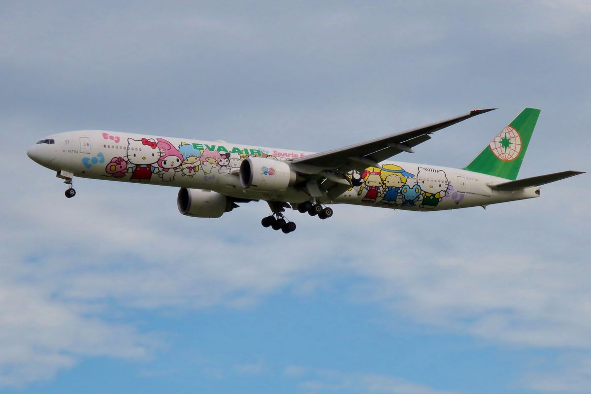 EVA Air will have a Hello Kitty-themed flight to nowhere on August 8