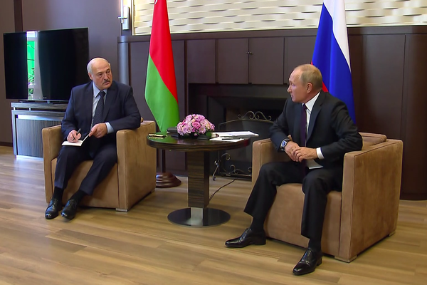 Vladimir Putin promises a €1.26 billion loan to Belarus at Lukashenko meeting