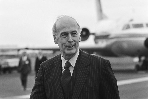European Council in Maastricht, Giscard d'Estaing at Beek airport