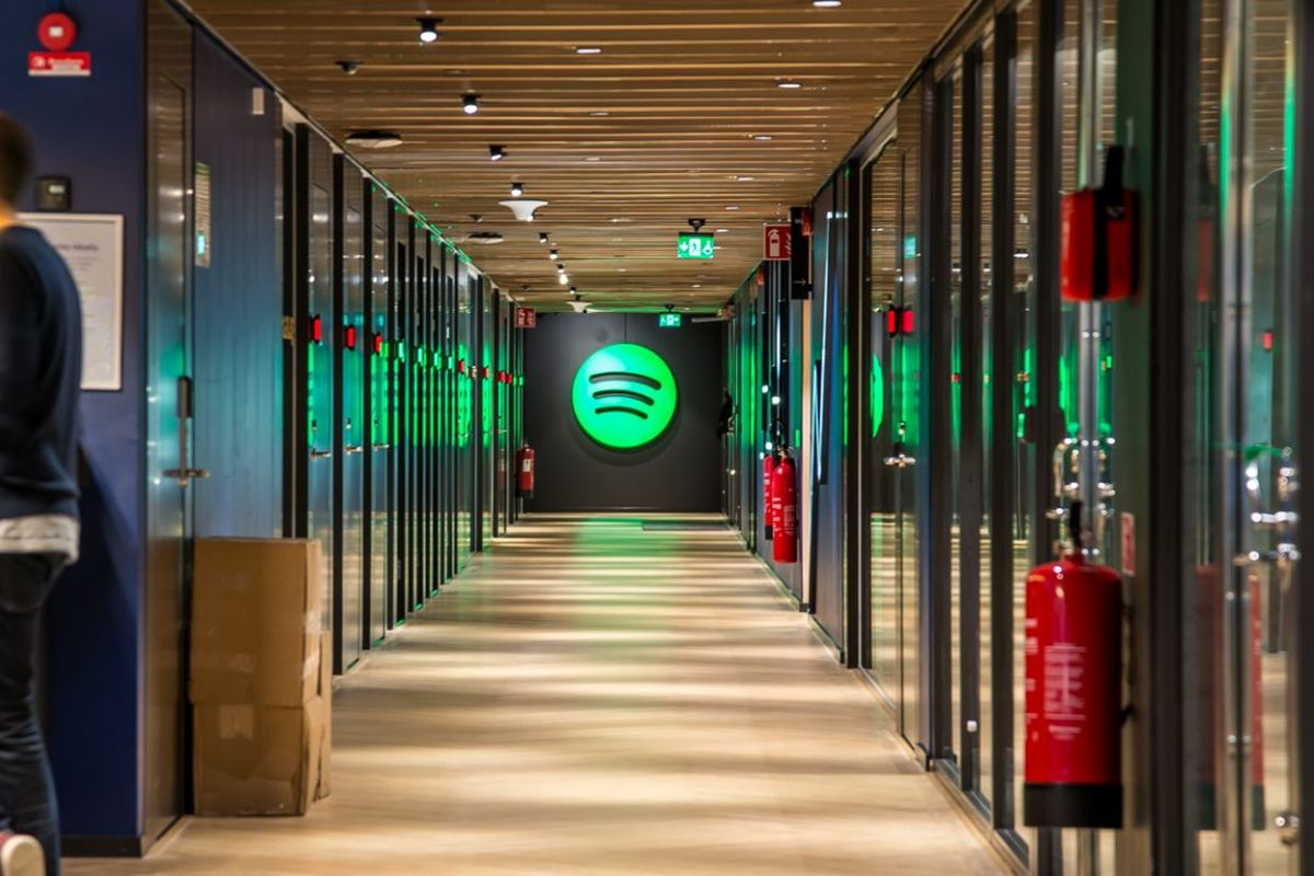 Spotify's Premium subscriber base reachs 130 million users.