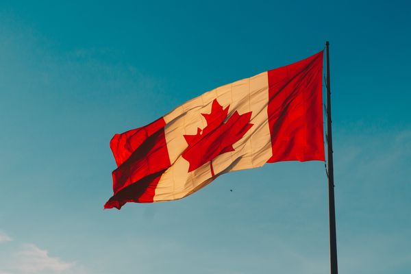Canada suspends extraditions to Hong Kong