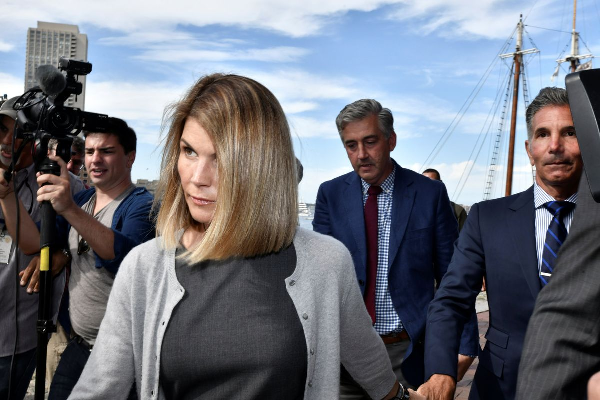 Lori Loughlin sentenced to 2 months in prison in college admissions scandal