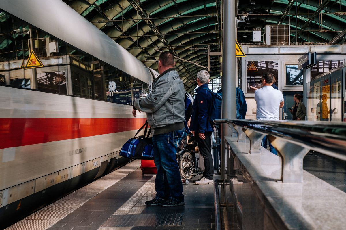 Deutsche Bahn extends train routes between German metropolises