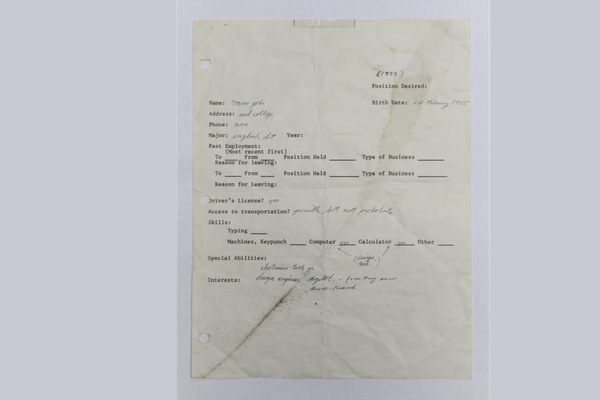 Handwritten job application by Steve Jobs auctioned for 162,000 euros