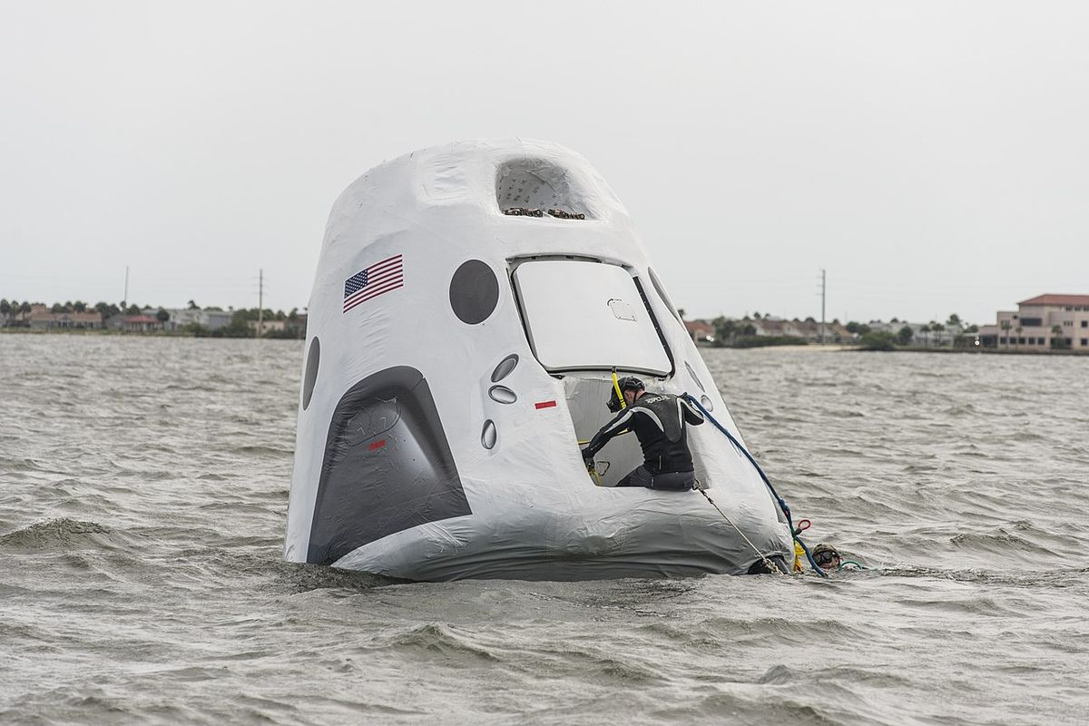 SpaceX Crew Dragon in preparation to return to Earth