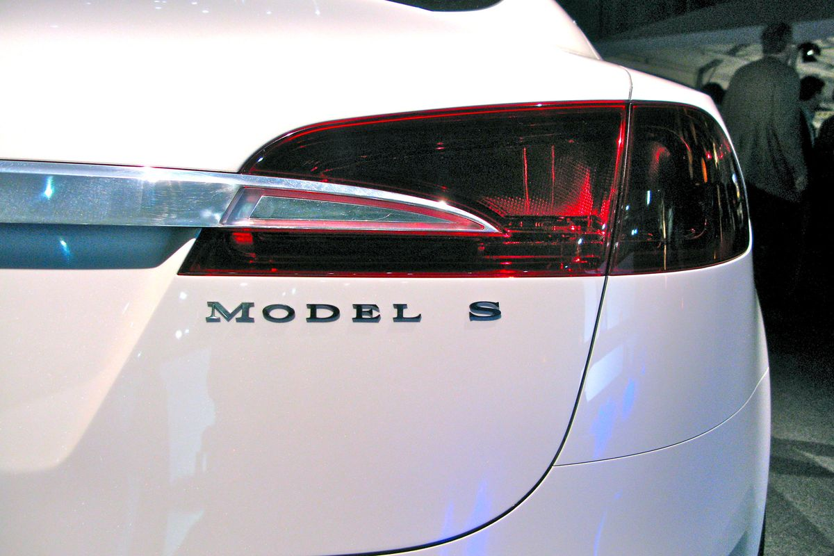 Chinese military restricts use of Tesla cars among personnel
