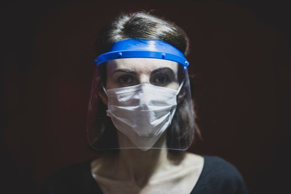 Swiss government says plastic face shields are inadequate protection
