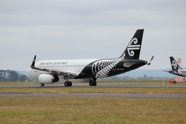 Air New Zealand plane at Auckland Airport