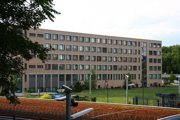Germany: Delay in security checks by the Federal Office for the Protection of the Constitution