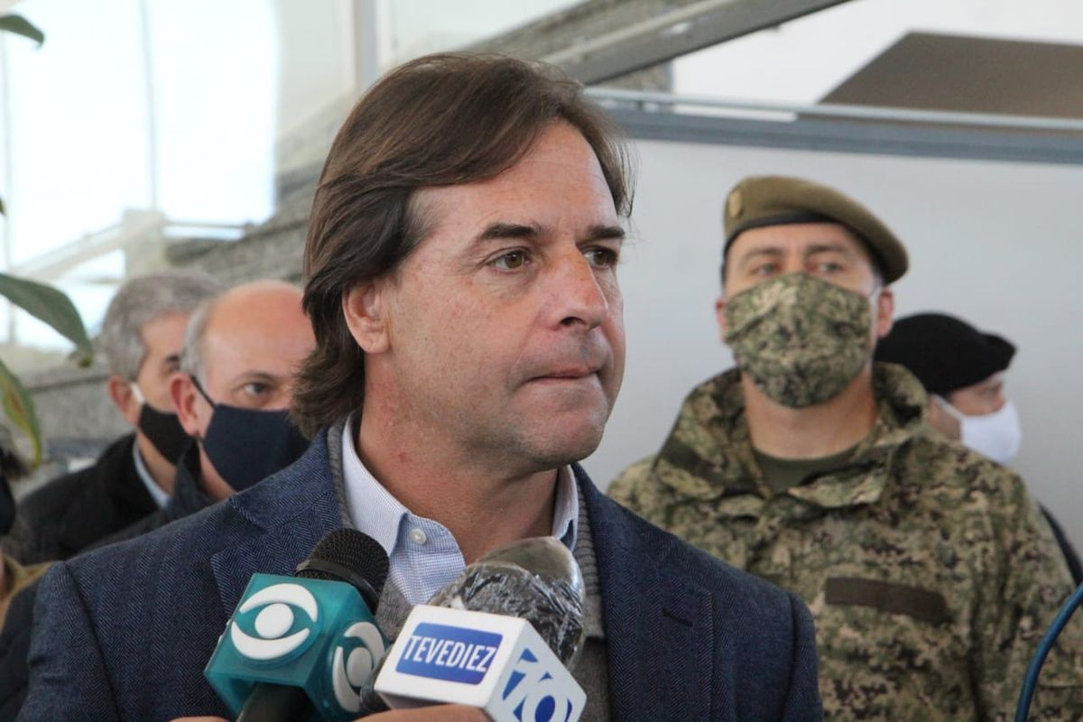 Uruguayan president and fellow government members test negative for Covid-19
