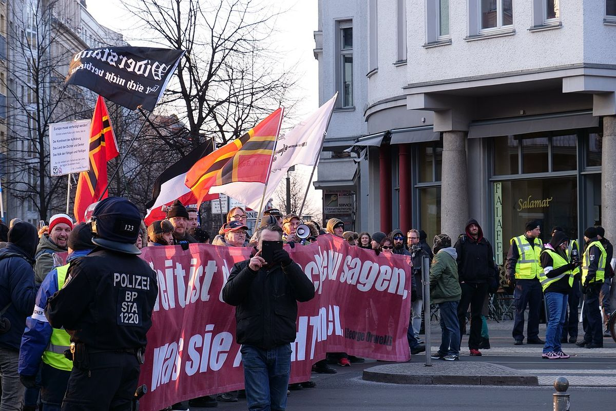 Right-wing extremists in Germany arm themselves