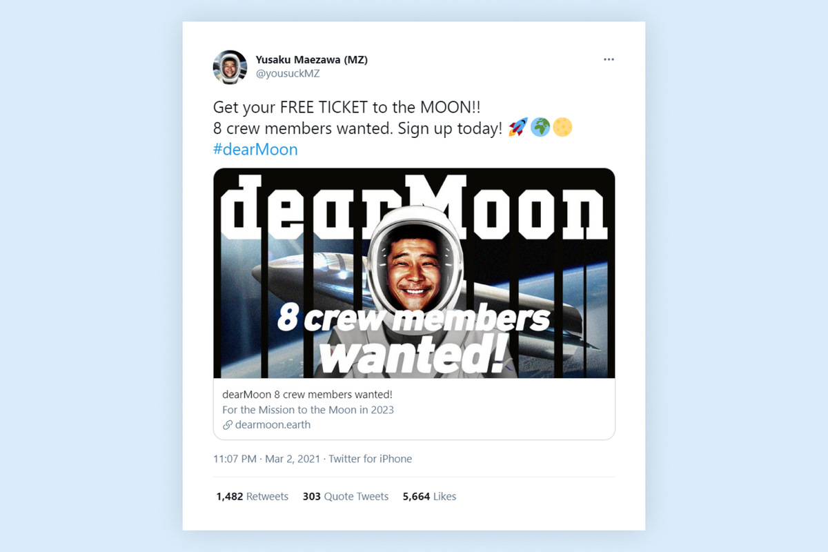 Japanese billionaire announces that he will pay moon flight for eight people