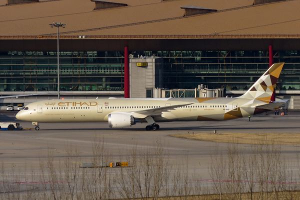 Emirates and Etihad extend reduced pay until September