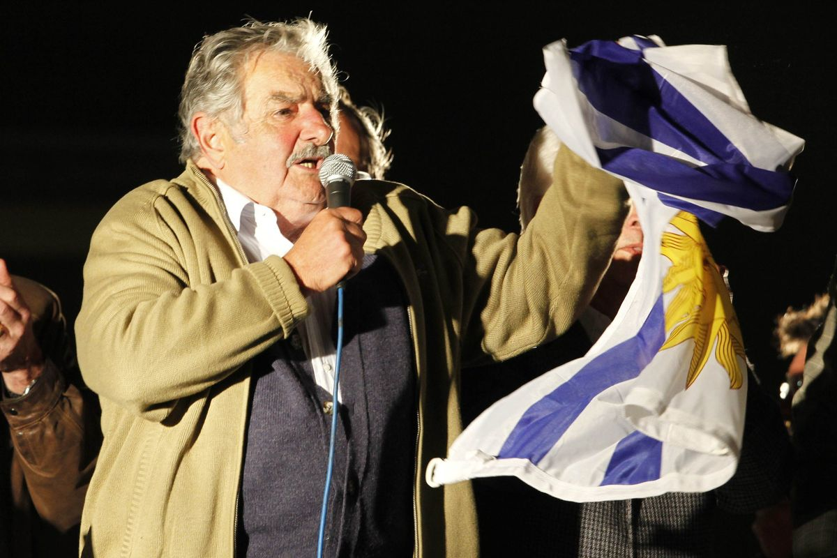 Legislators from all parties highlighted the figure of José Mujica, on his last day in the Senate