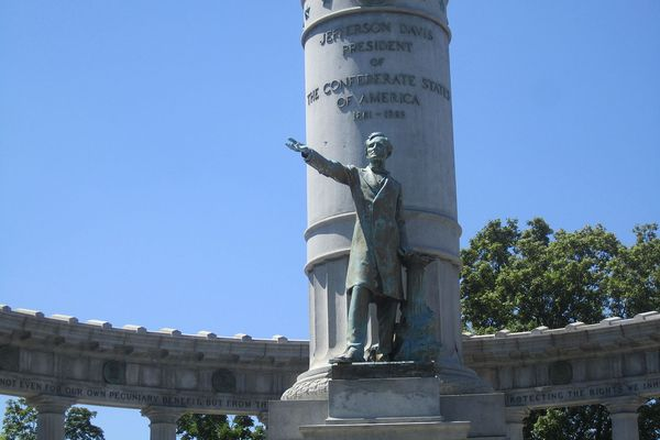 Jefferson Davis Monument on Monument Avenue, Richmond, Virginia