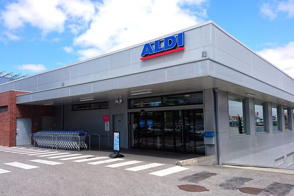 Aldi acquires almost 550 stores in France