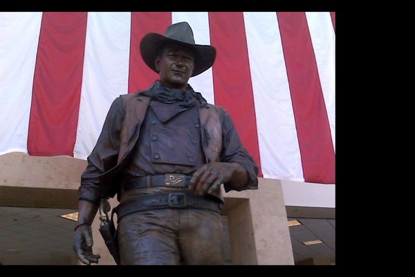 John Wayne's statue at John Wayne / Orange County Airport