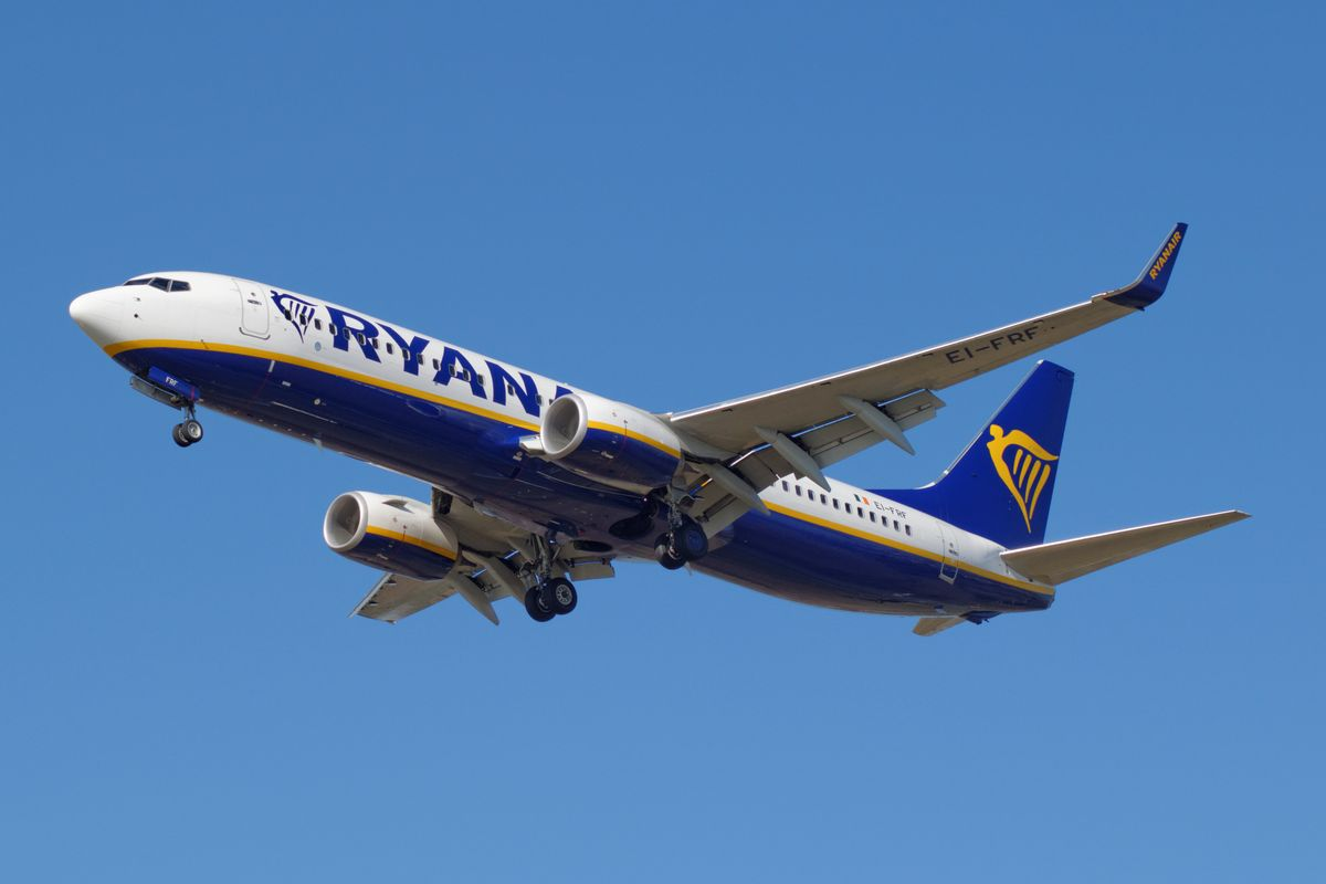 Italy threatens to ban Ryanair over Covid-19 compliance