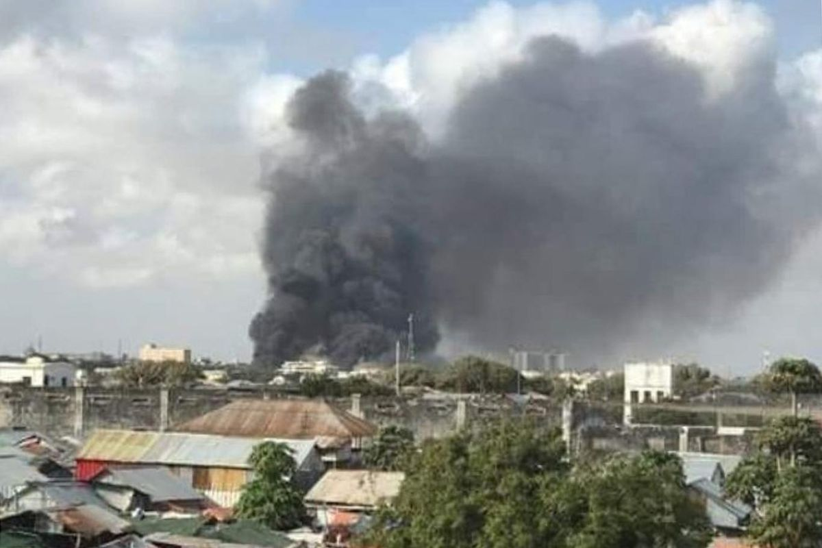 Somalia: Suicide bomber attack on Mogadishu military base, at least 8 dead