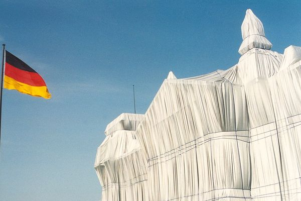 Wrapped Reichstag, 1995