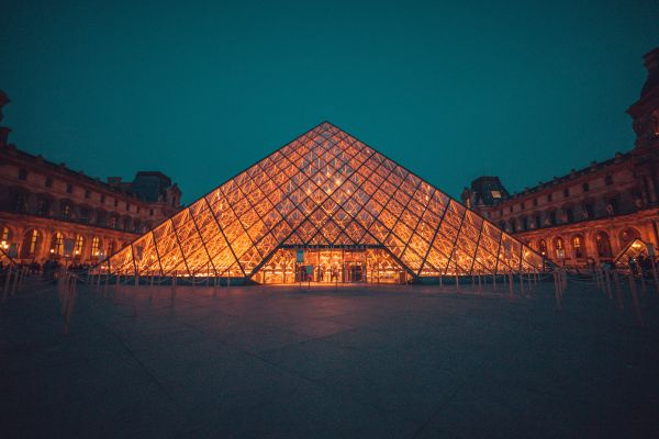 Louvre reopens after four-month closing due to the Covid-19 pandemic