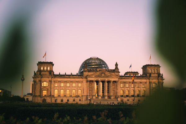 Representative picture of the Reichstag building
