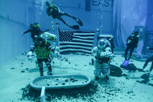 @NASA_Astronauts  are preparing now for moonwalks planned for when we land the first woman and next man on the Moon -- and they're practicing underwater to evaluate how we'll train for #Artemis missions.