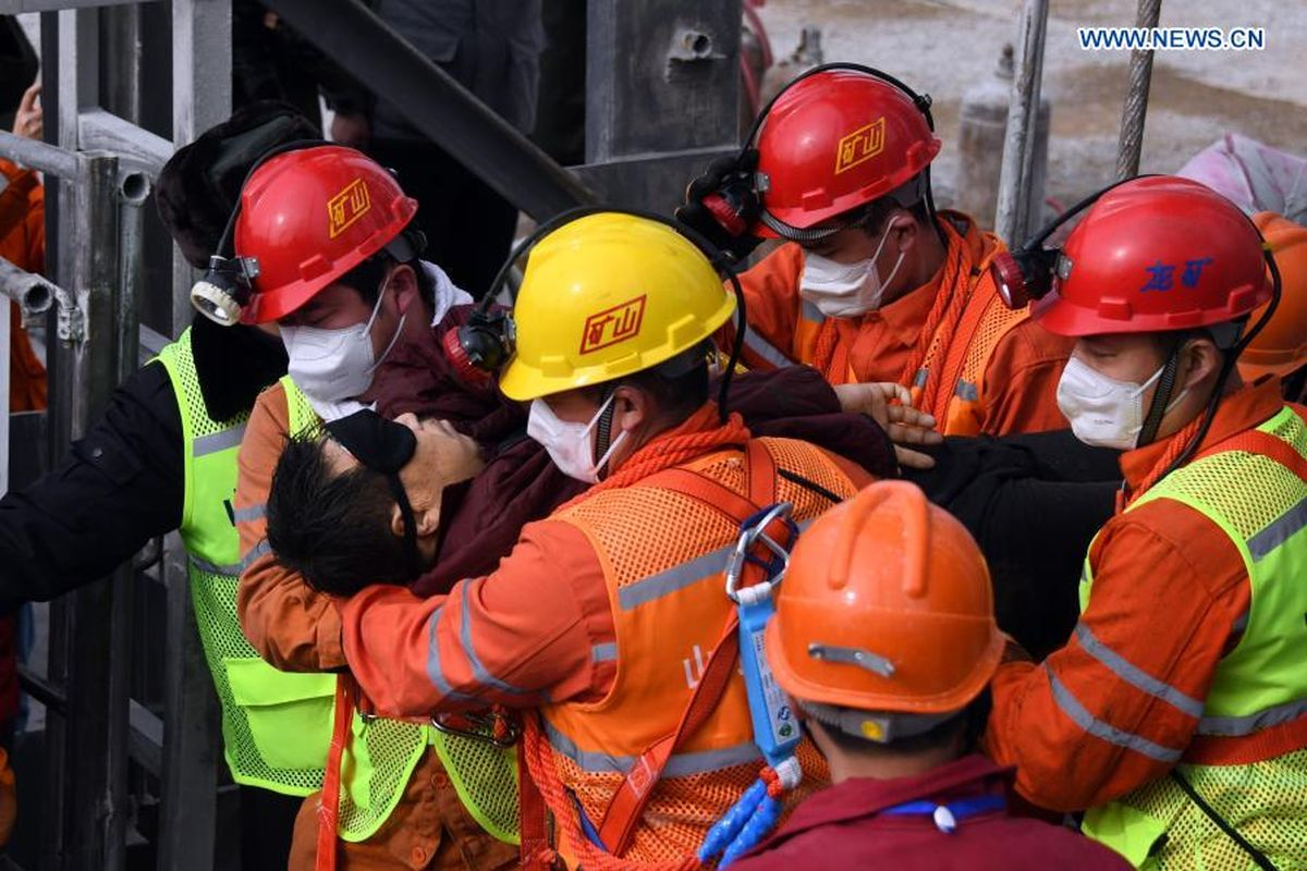 11 of 22 Chinese miners trapped in gold mine rescued after two weeks