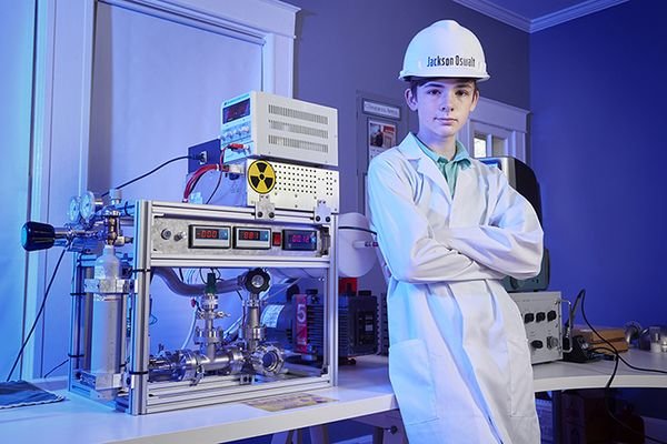 Middle school student achieved nuclear fusion in his family playroom