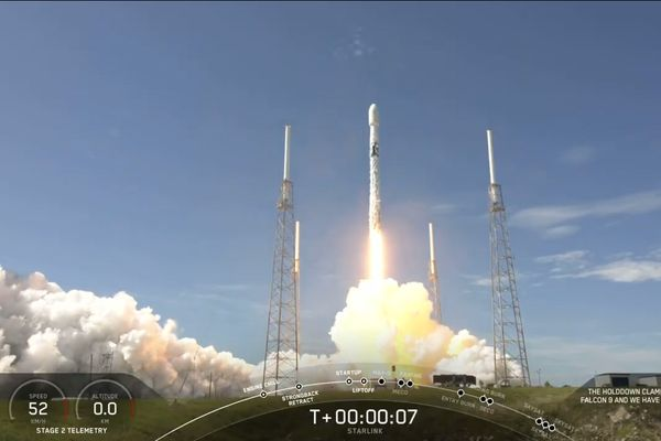 SpaceX launched on Tuesday 58 Starlink satellites and 3 SkySats