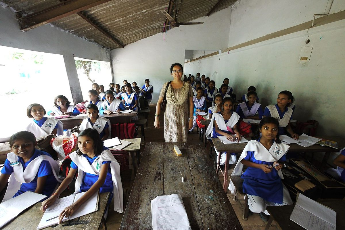 India: Schools reopen following a drop in Coronavirus cases