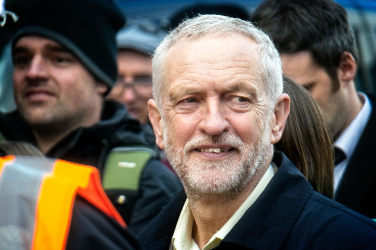 Jeremy Corbyn to be readmitted to UK Labour after suspension over anti-Semitism