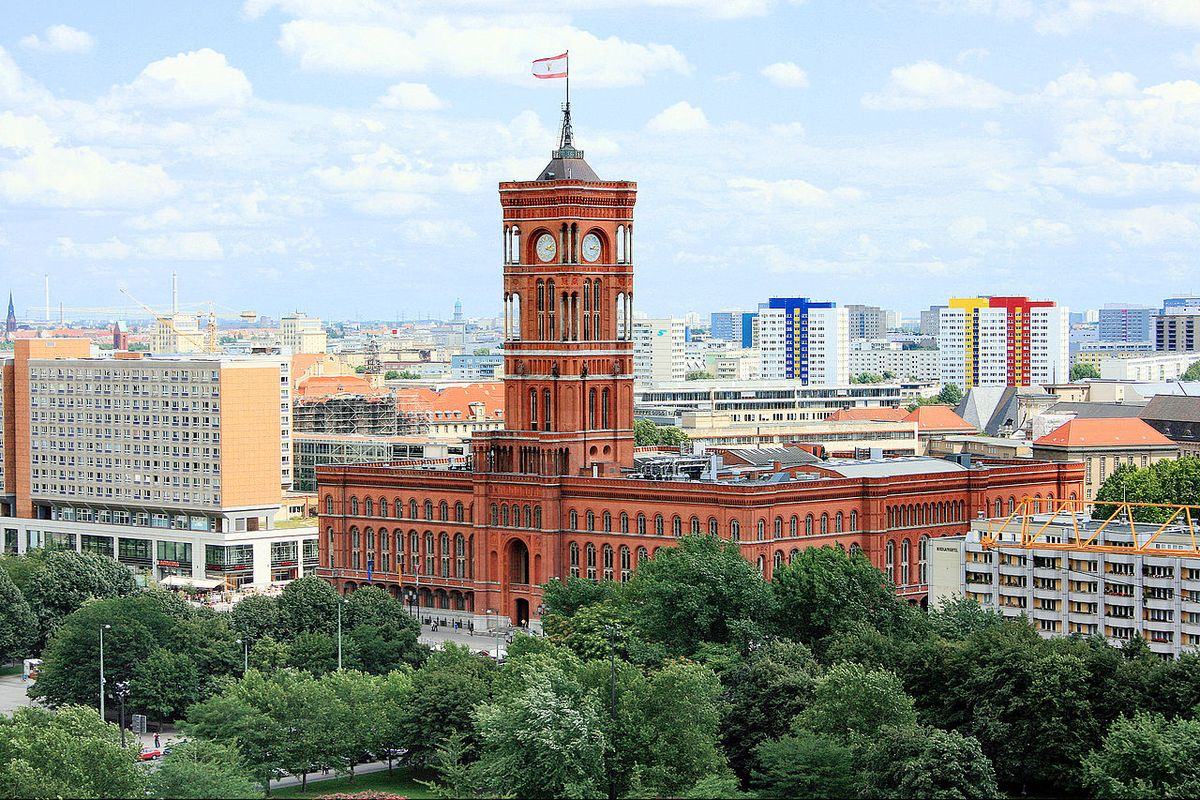 Berlin wants to ban cars with combustion engines from inner-city